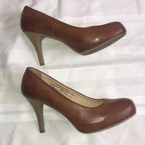 Mossimo brown pump wooden heel Sz 8.5